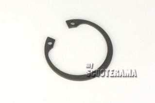 Circlips - axe de roue Vespa 50,Primavera,GTR, Sprint - pignon elastique Vespa PX