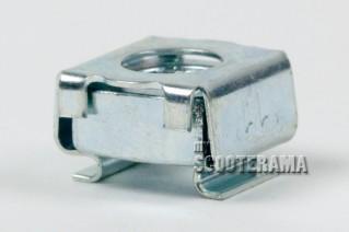 Ecrou fixation pédale de frein Vespa PX, T5, 50, Special, Primavera, ET3, PK